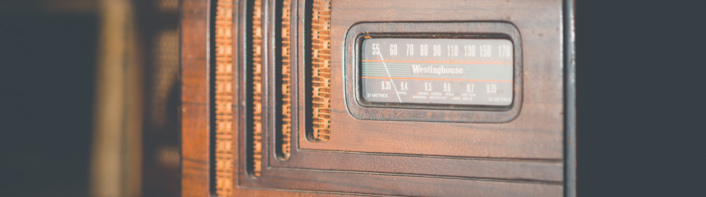 Photo of an antique Westinghouse radio on display at the SPARC Radio Museum