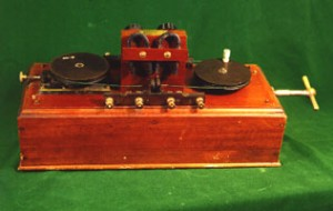 Photo of a Marconi magnetic detector at the SPARC Radio Museum