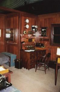 Photo of the Titanic radio room from the 1996 movie